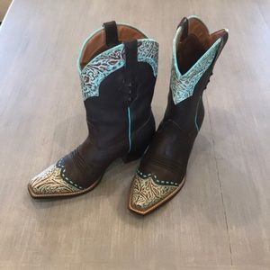 Ariat cowboy boot like new